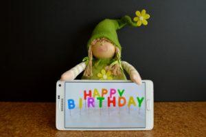 ขอบคุณมากๆครับ สำหรับคำอวยพรวันเกิด ที่ประทับใจ