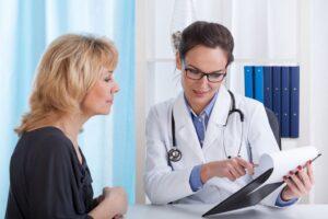 จะบอกผู้ป่วยที่ป่วยเป็นโรคร้ายอย่างไร?
