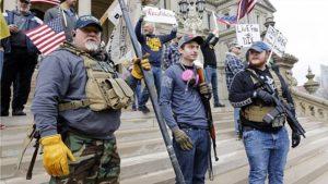 """ไม่แปลกที่คนอเมริกันถือปืนต้าน""""ล็อกดาวน์"""""""